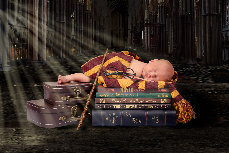 Harry-Potter-creative-newborn-photoshoot