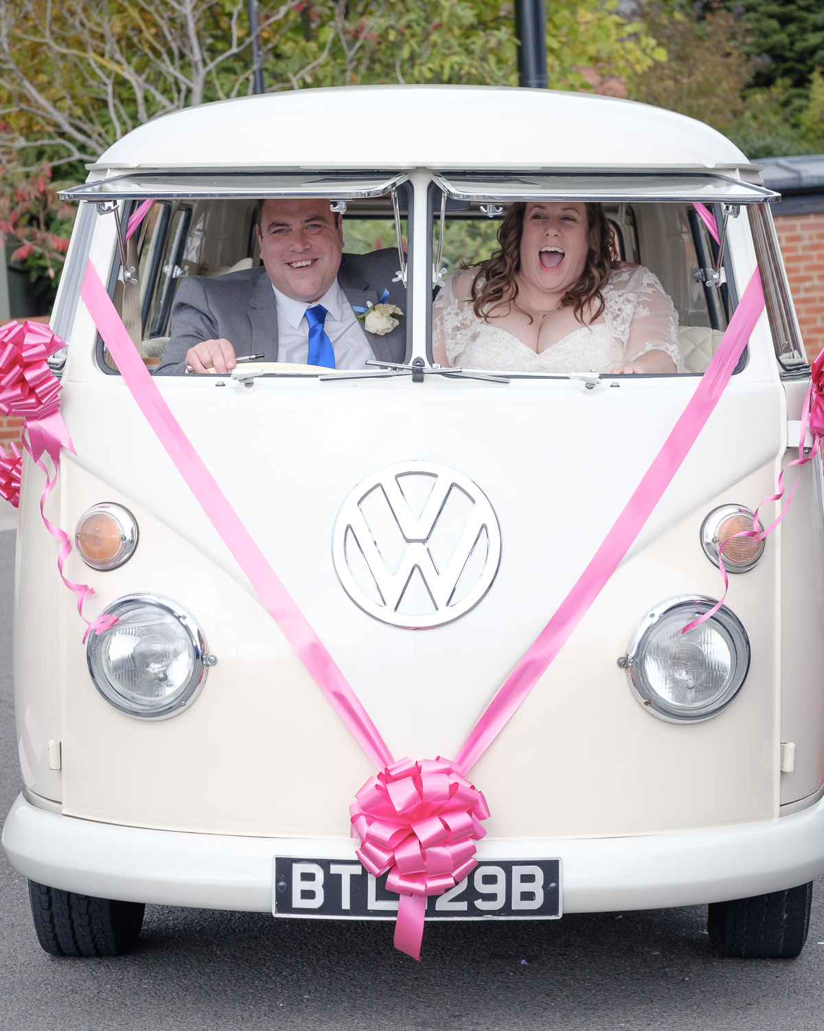 digby-vw-camper-vanillamoon-weddings.jpg