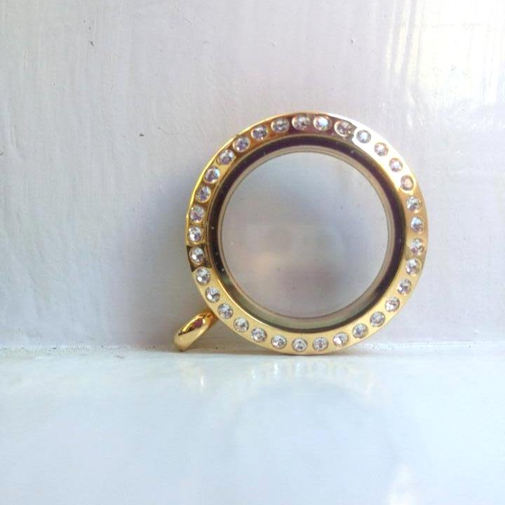 gold small locket.jpg