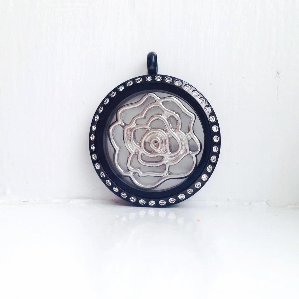 rose window plte black locket.jpg