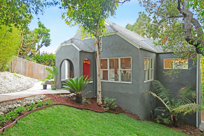 2261 Hollyridge Dr. Hollywood Hills