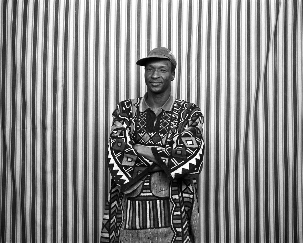 malick sidibe's assistant, mali africa.jpg