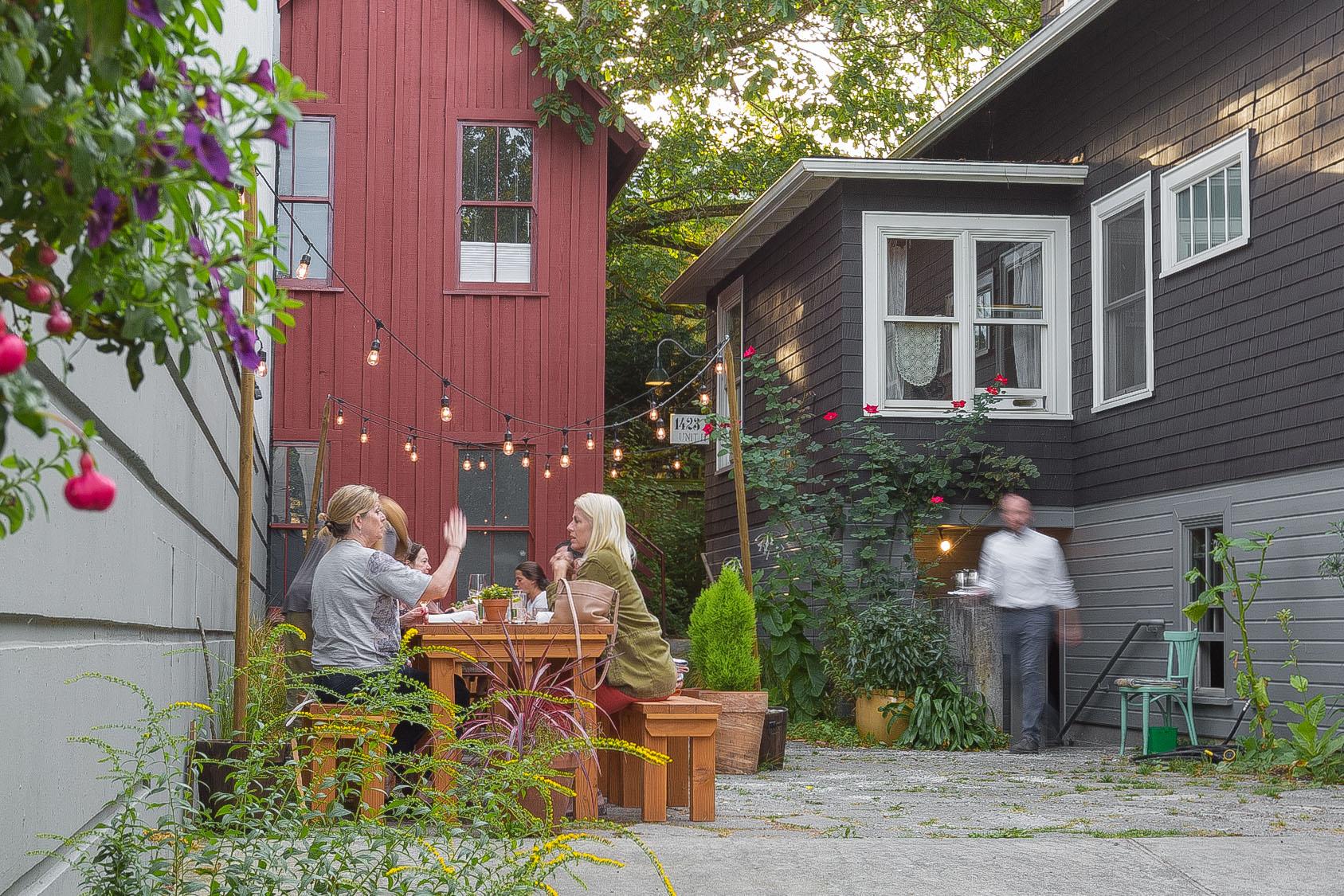 Red Cow Restaurant Courtyard