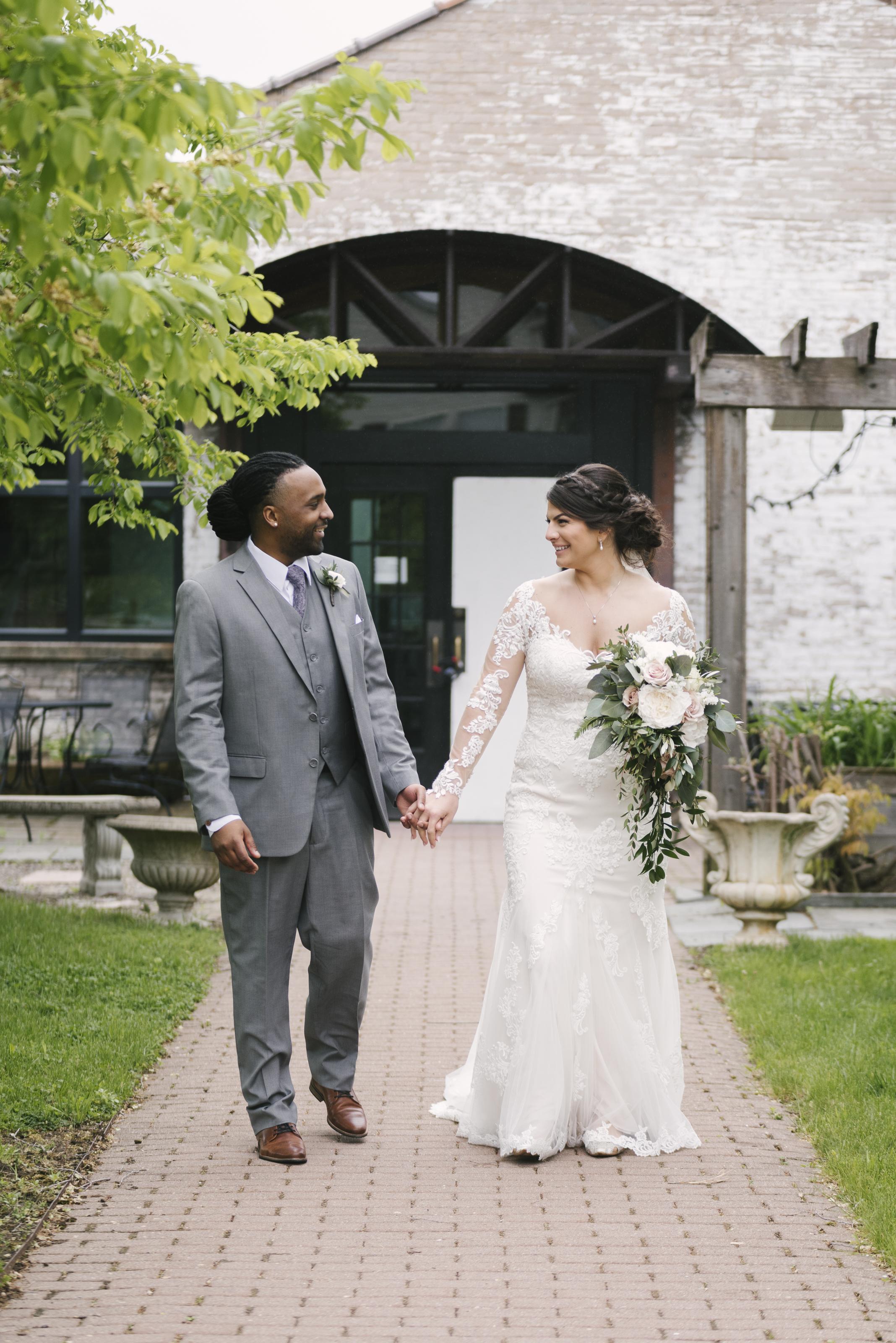 rochester-wedding-photographer-arbor-loft-28.jpg