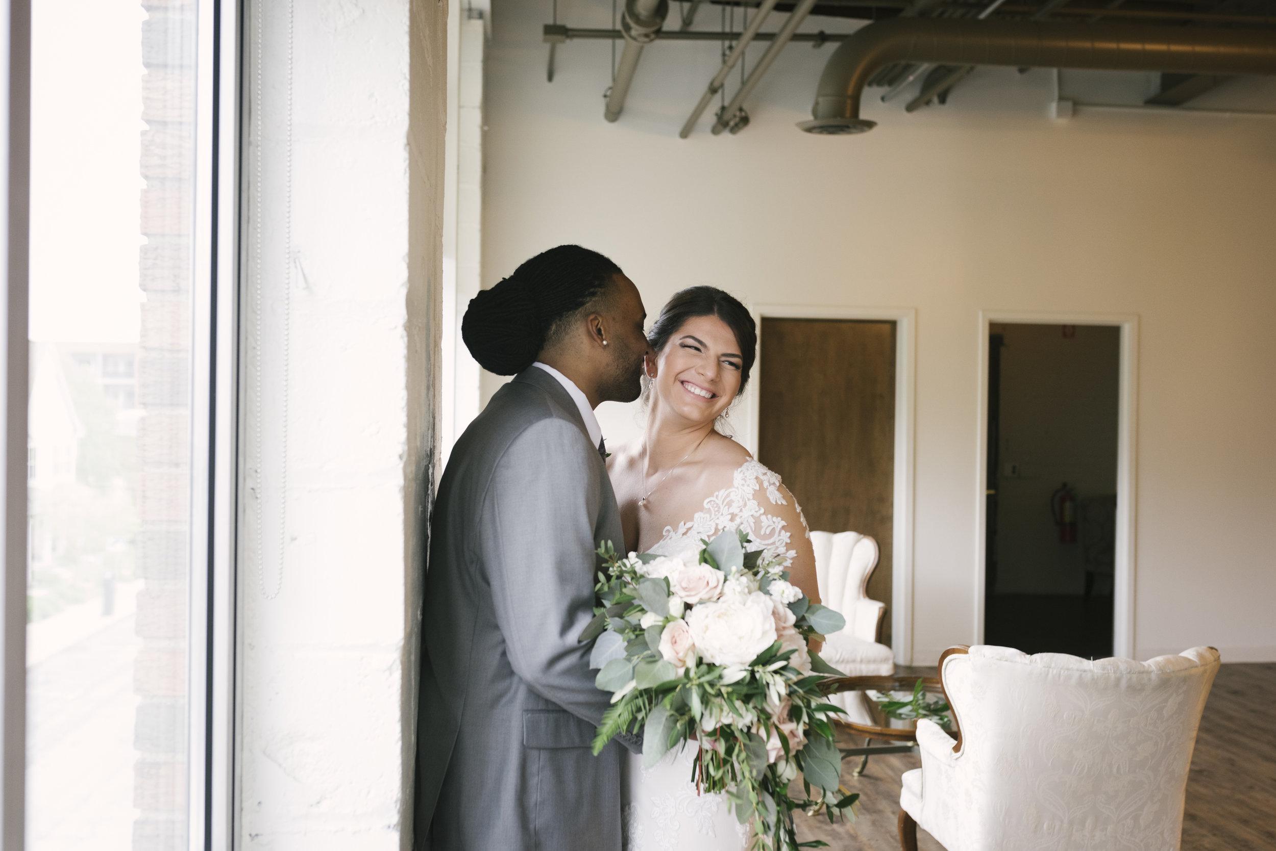 rochester-wedding-photographer-arbor-loft-16.jpg