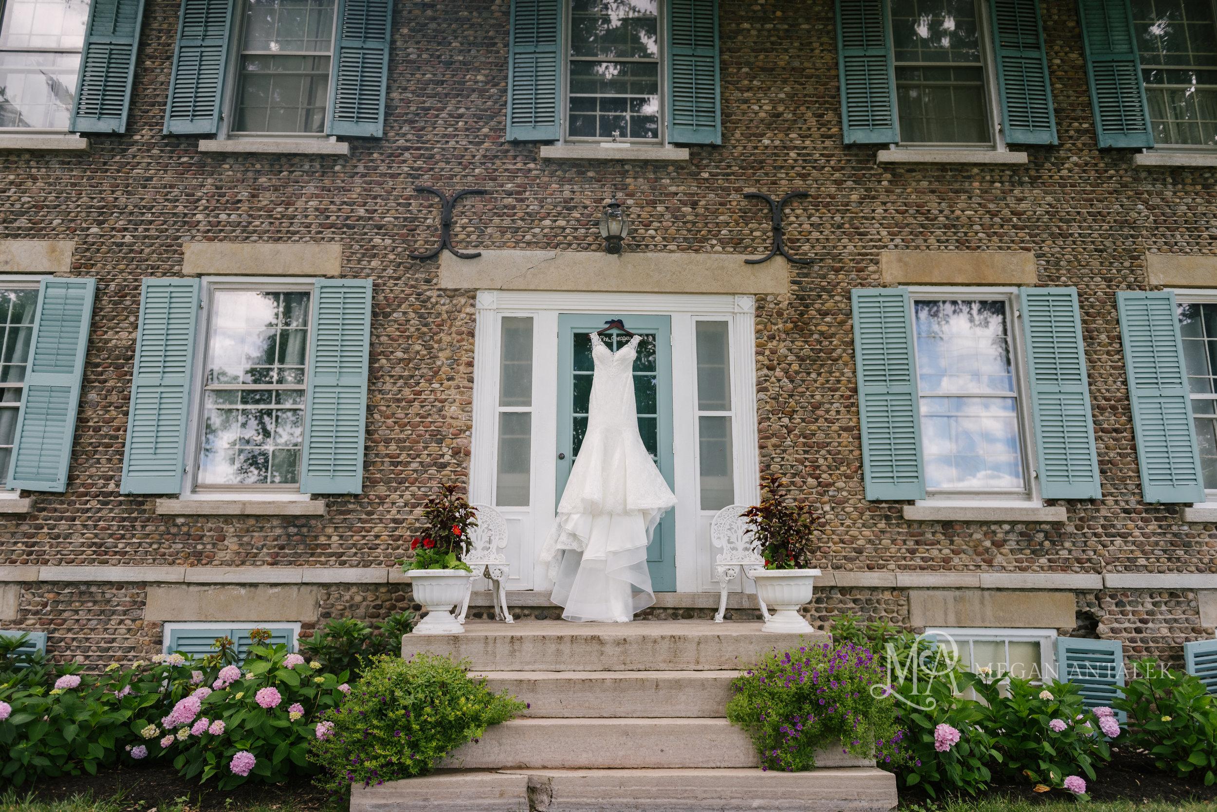 cobblestone-wedding-barn-rochester-photography-3-1.jpg