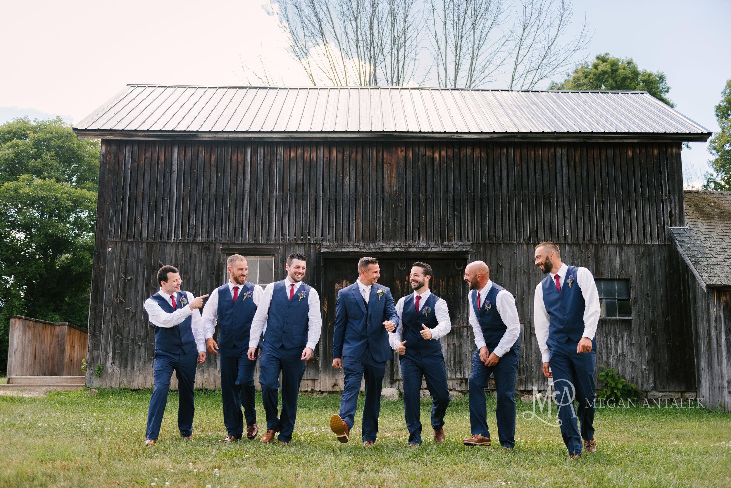 cobblestone-wedding-barn-rochester-photography-27.jpg