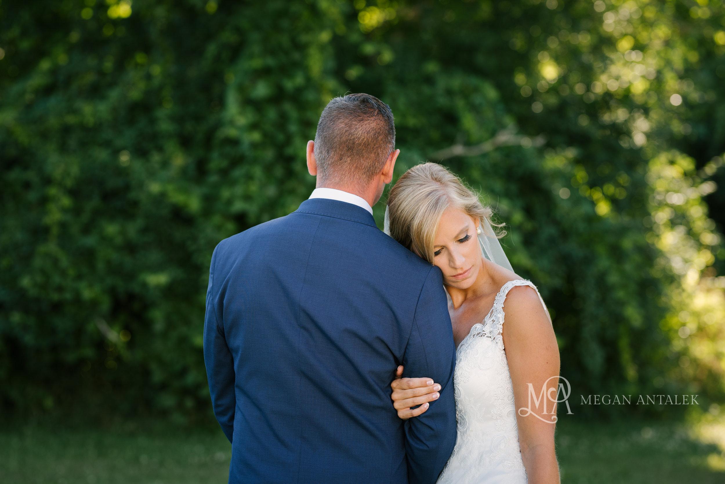 cobblestone-wedding-barn-rochester-photography-29.jpg