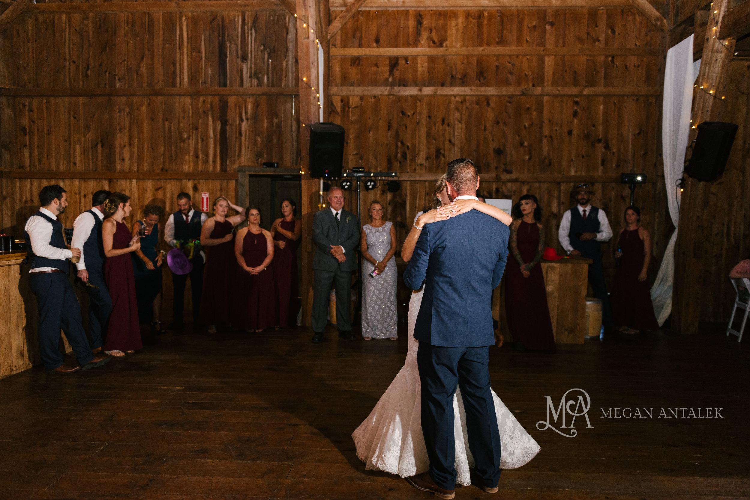 cobblestone-wedding-barn-rochester-photography-36.jpg