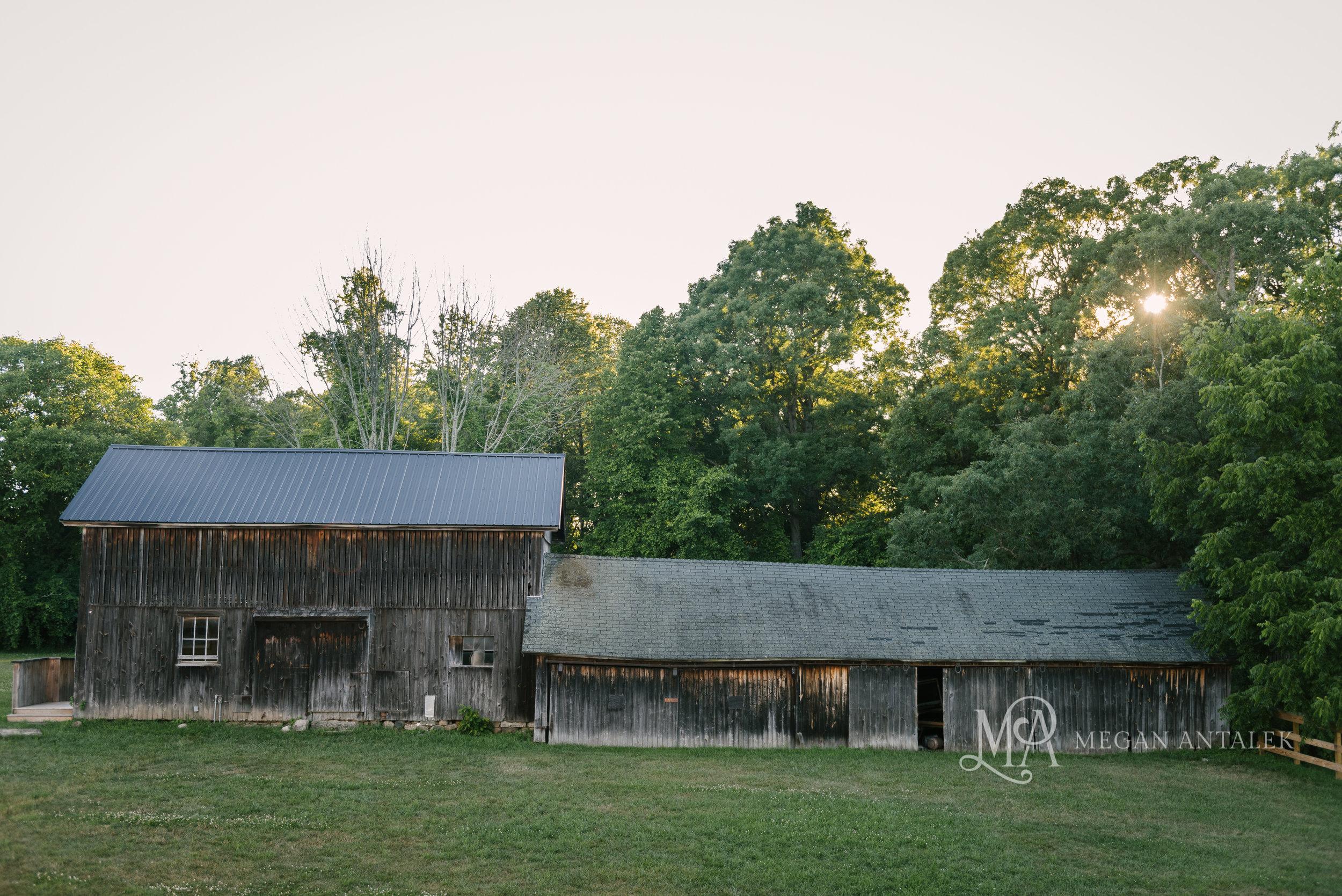 cobblestone-wedding-barn-rochester-photography-38.jpg