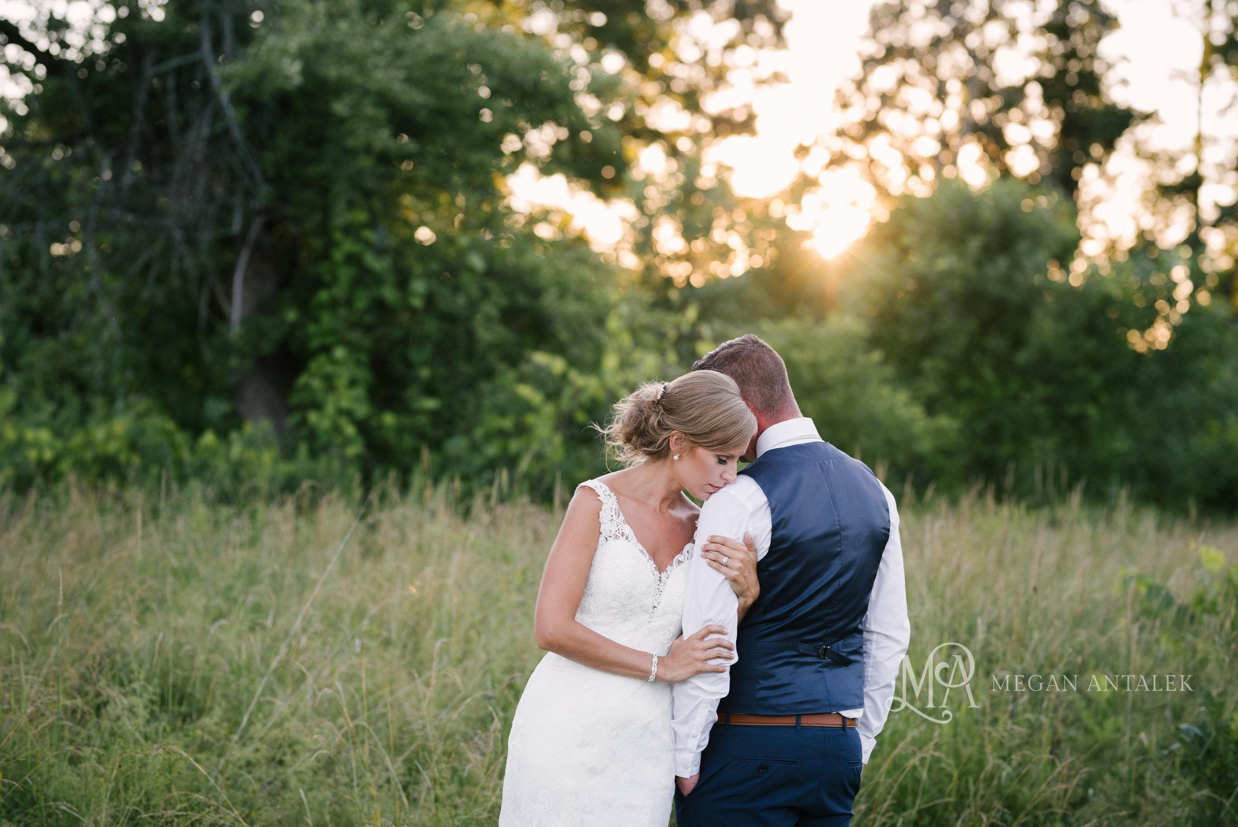 cobblestone-wedding-barn-rochester-photography-50.jpg
