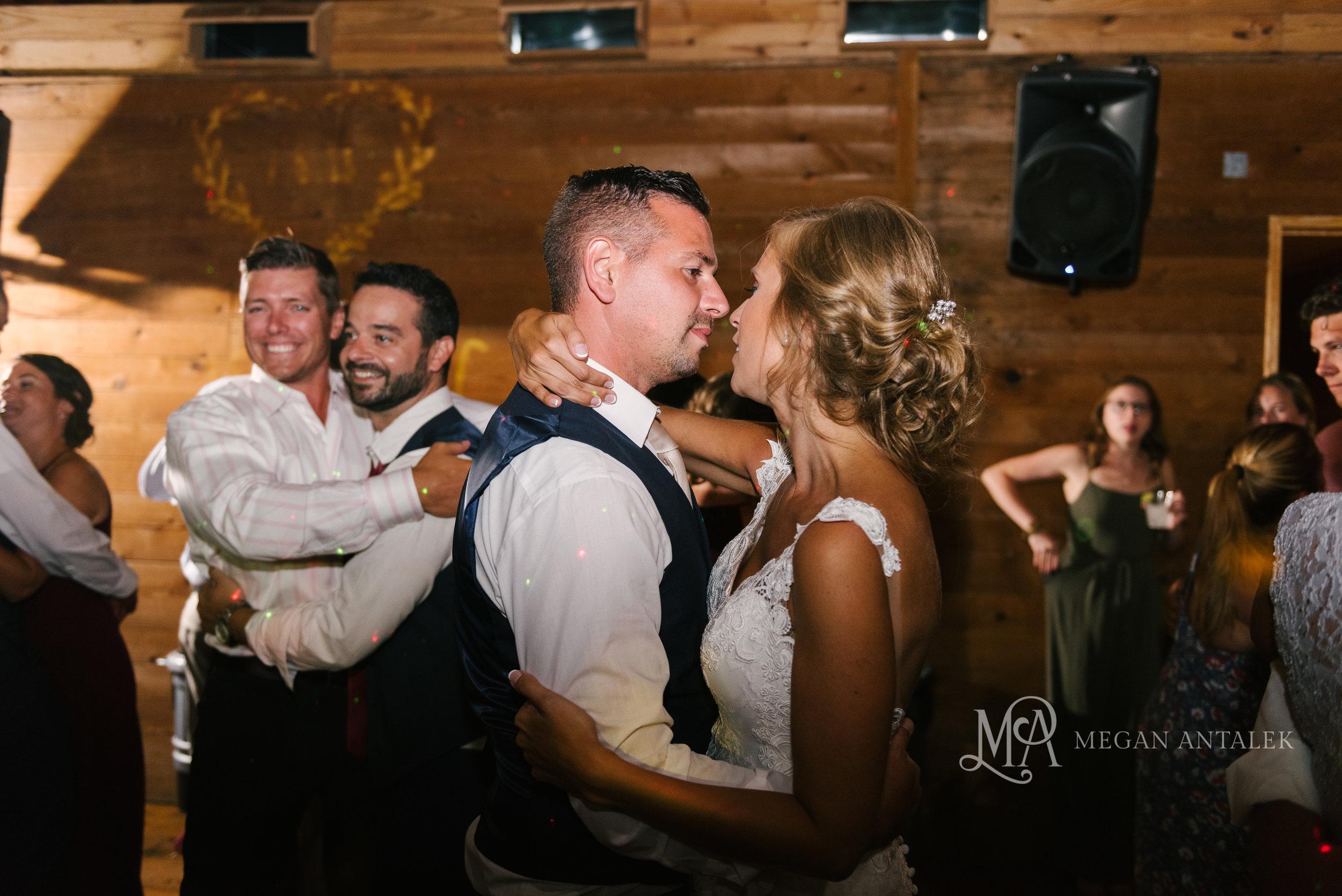cobblestone-wedding-barn-rochester-photography-55.jpg