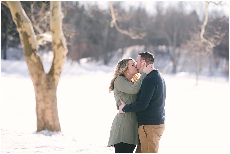 mendon-ponds-winter-engagement (2).jpg