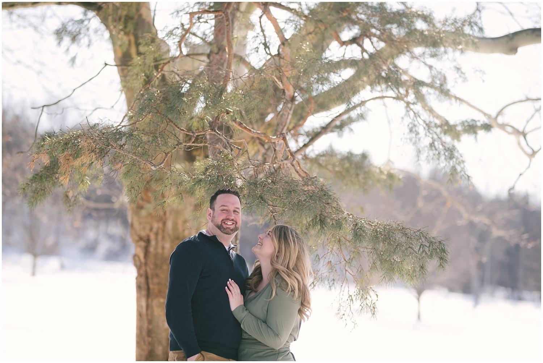 mendon-ponds-winter-engagement (4).jpg
