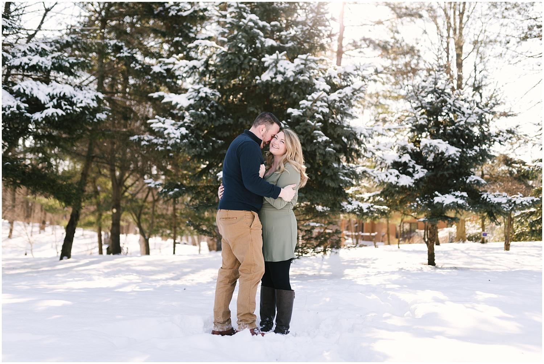 mendon-ponds-winter-engagement (11).jpg