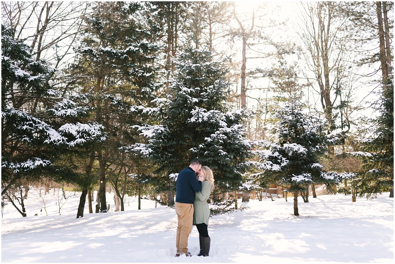mendon-ponds-winter-engagement (13).jpg