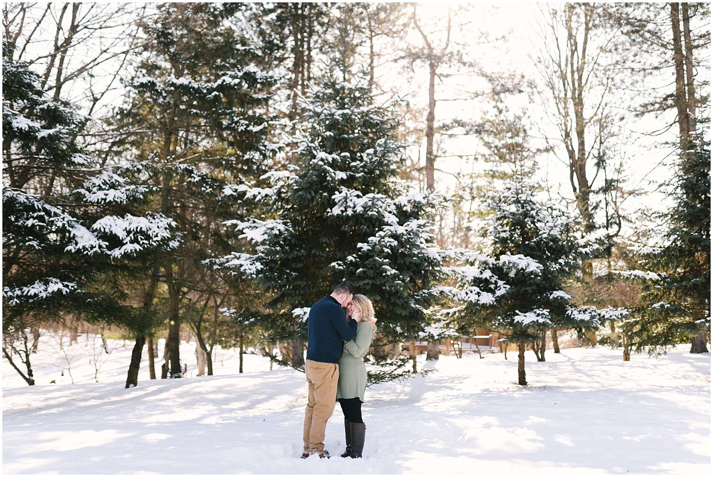 mendon-ponds-winter-engagement (14).jpg