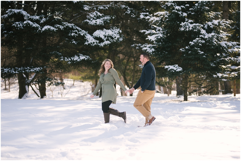 mendon-ponds-winter-engagement (15).jpg