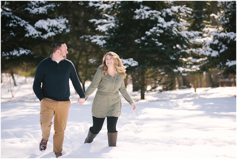 mendon-ponds-winter-engagement (16).jpg