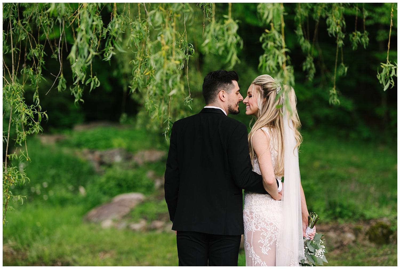 friends-lake-inn-rochester-wedding-photographer (16).jpg