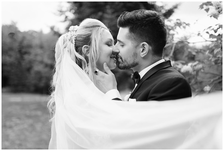 friends-lake-inn-rochester-wedding-photographer (21).jpg