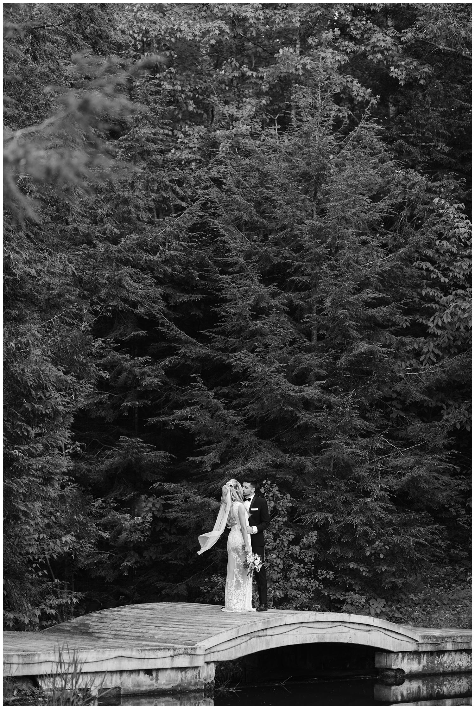 friends-lake-inn-rochester-wedding-photographer (19).jpg