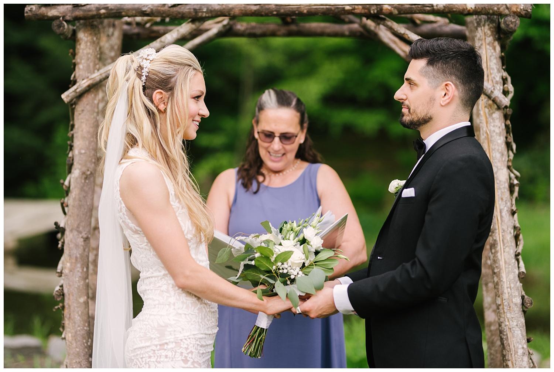 friends-lake-inn-rochester-wedding-photographer (26).jpg