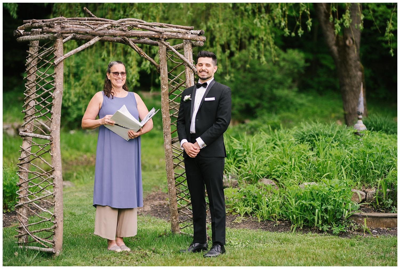 friends-lake-inn-rochester-wedding-photographer (25).jpg