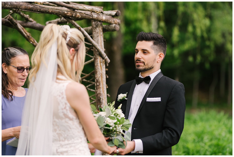 friends-lake-inn-rochester-wedding-photographer (30).jpg