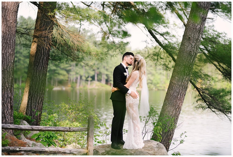 friends-lake-inn-rochester-wedding-photographer (37).jpg