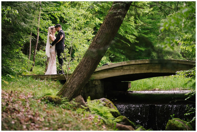 friends-lake-inn-rochester-wedding-photographer (43).jpg