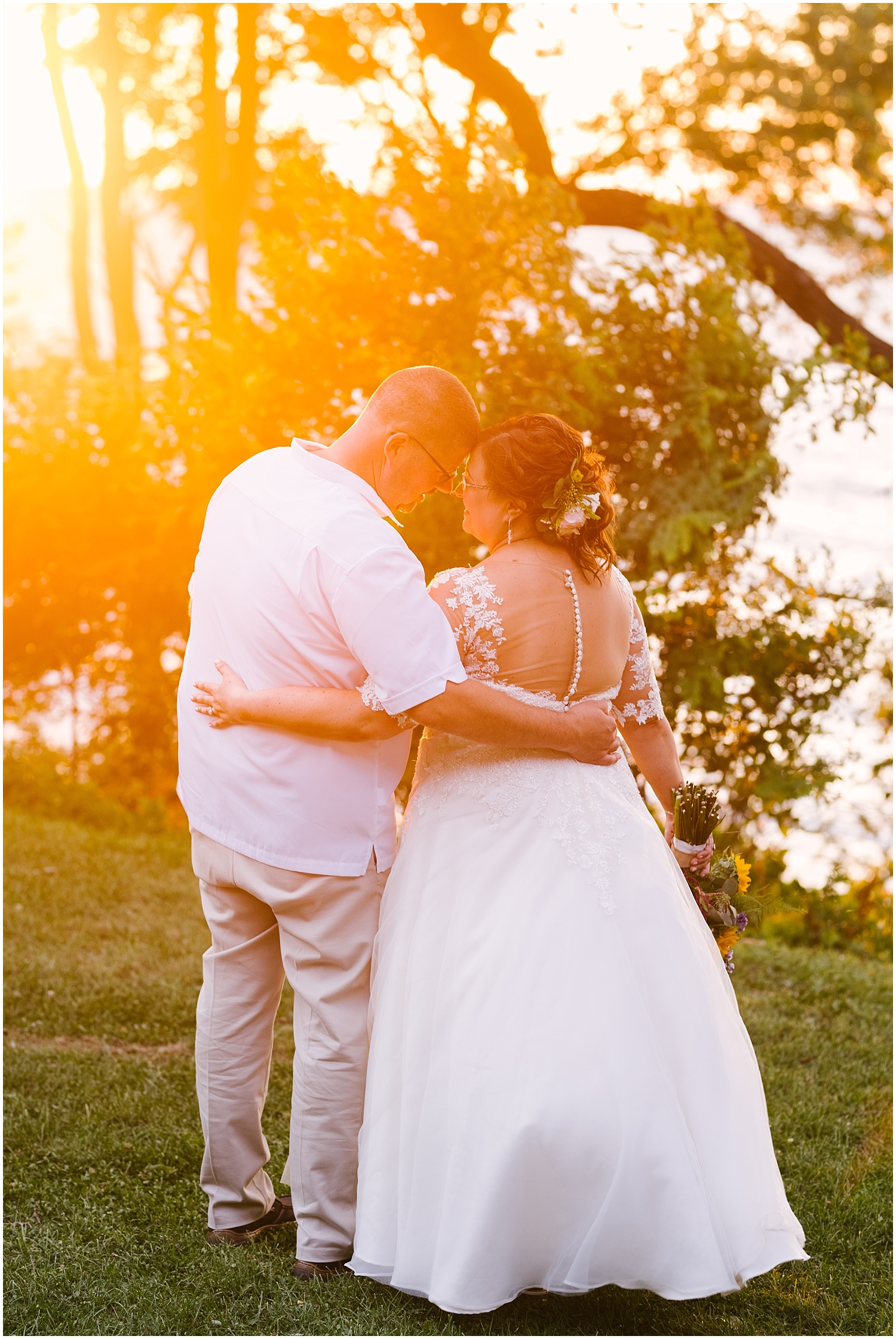 lakefront-lodge-webster-park-rochester-wedding-photographer (92).jpg