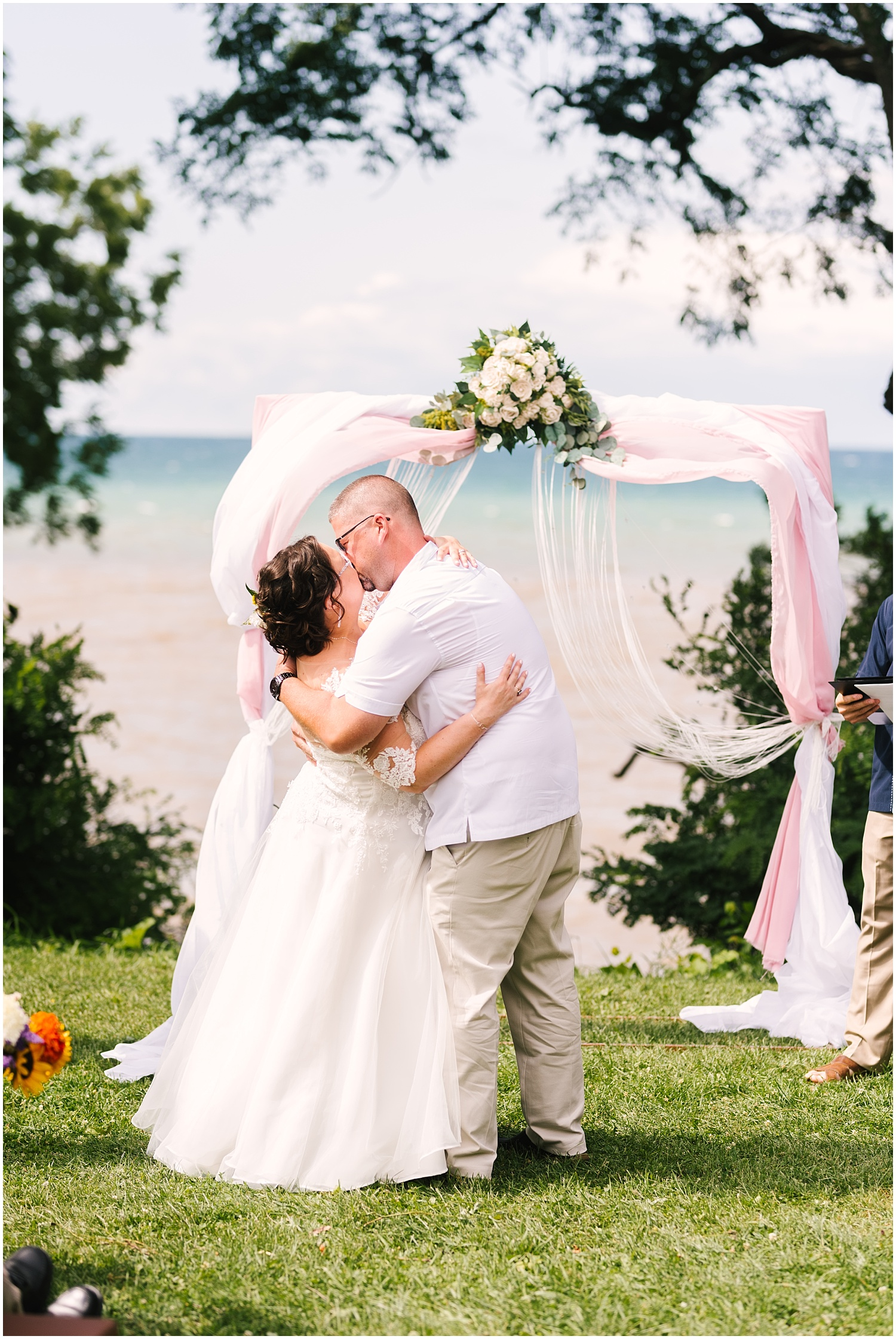 lakefront-lodge-webster-park-rochester-ny-wedding-photographers (23).jpg