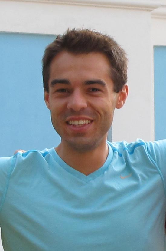 Laszlo Korsos, Booth MBA '13