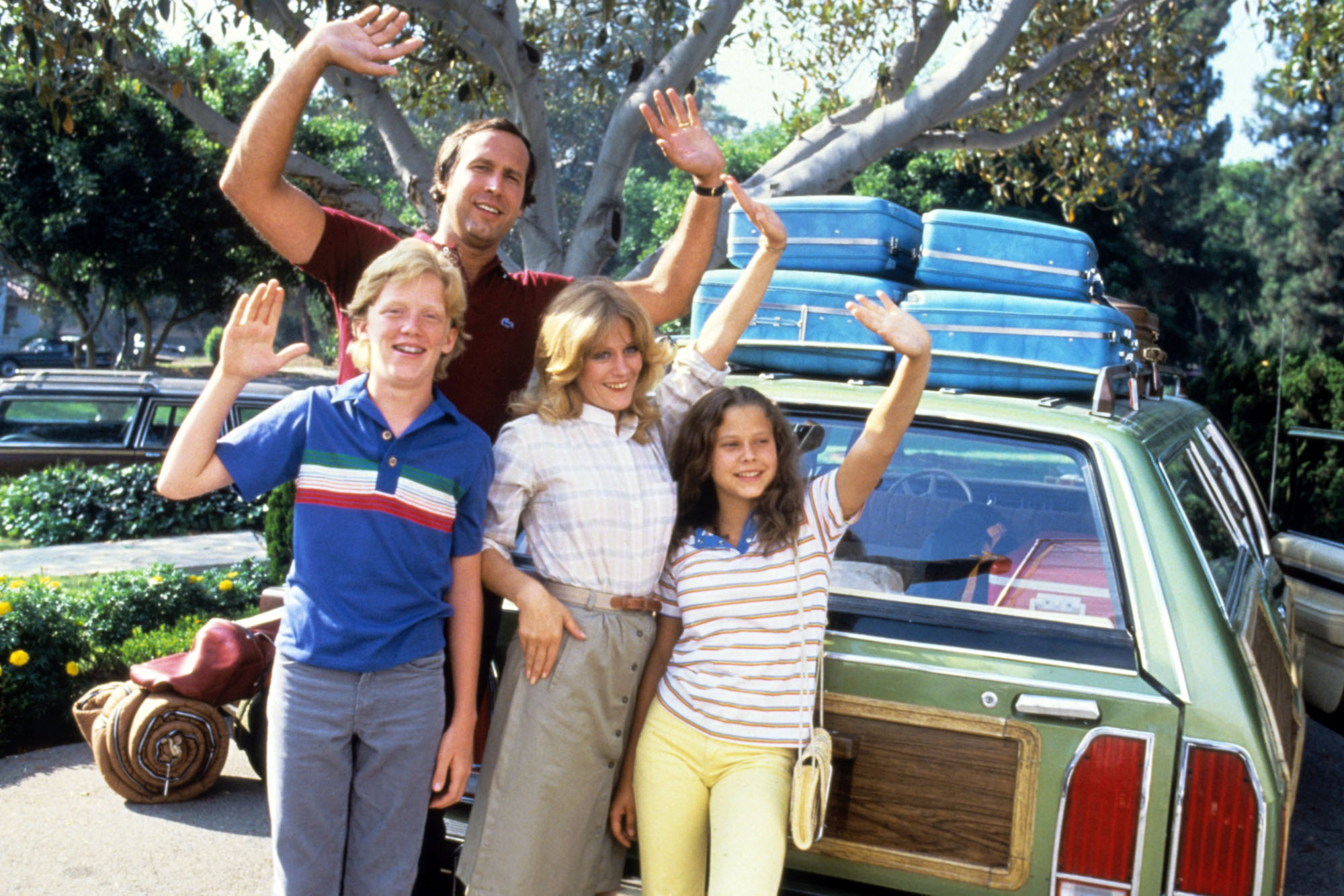 Source: MovieFone.net  The family gearing up for a day trip to the Aquarium.