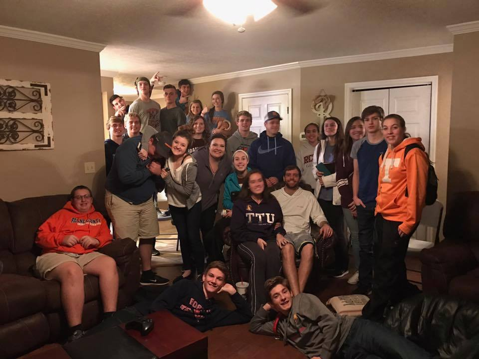 MONDAYS @6:30 P.M.    HIGH SCHOOL // COLLEGE BIBLE STUDY