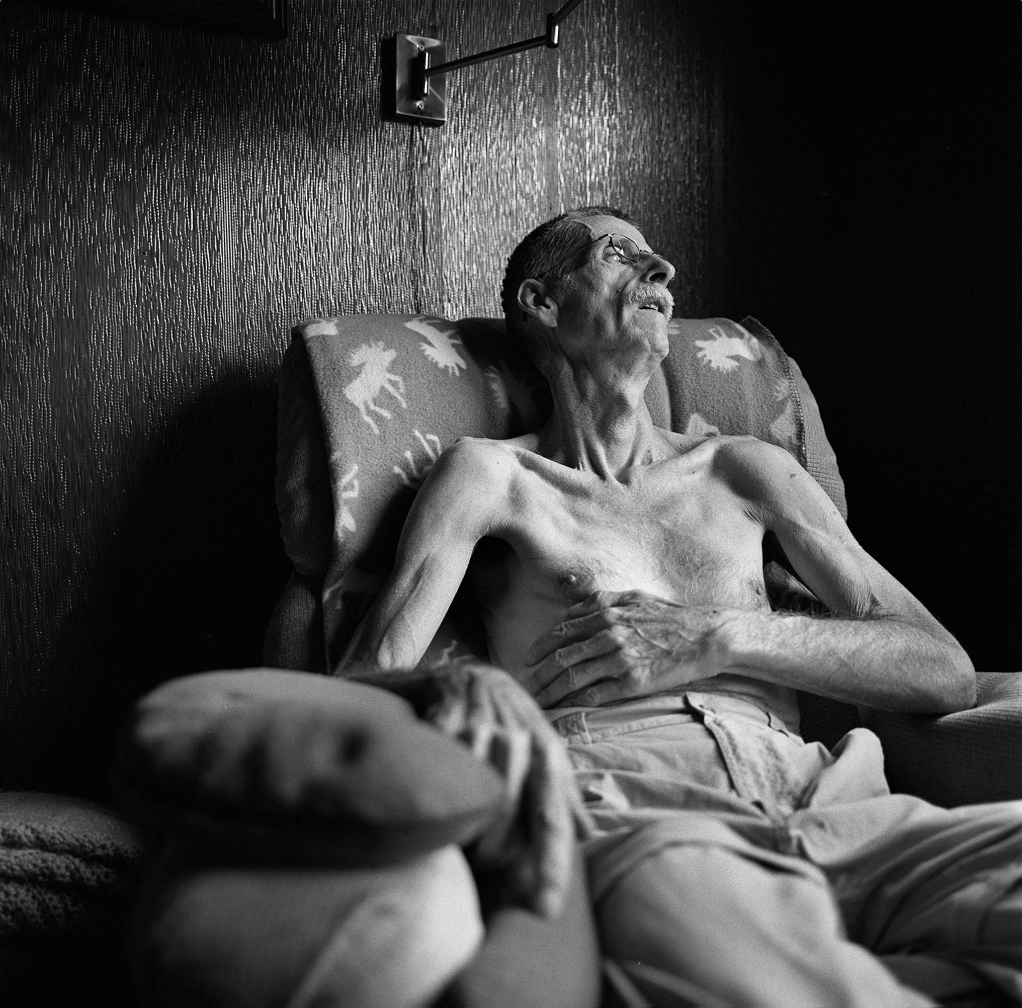 58-year-old Blayne Kinart a former chemical worker and mesothelioma victim.  ©Louie Palu/ZUMAPRESS.com