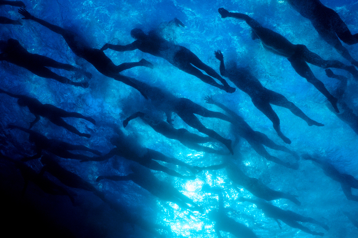 Swimmers compete in the Ironman Triathlon Hawaii 1999 National Geographic © Joe McNally