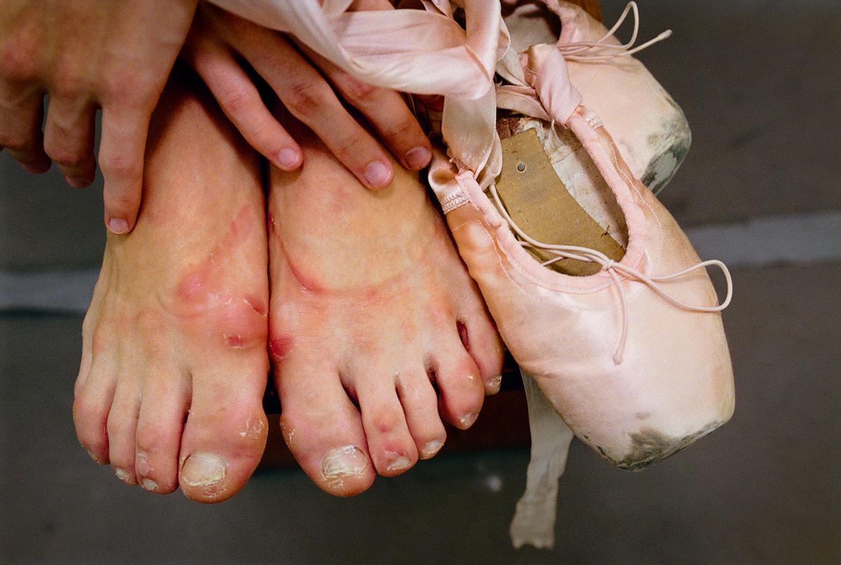 The feet and slippers Paloma Herrera, Principal Dancer with American Ballet Theater 1996 © Joe McNally