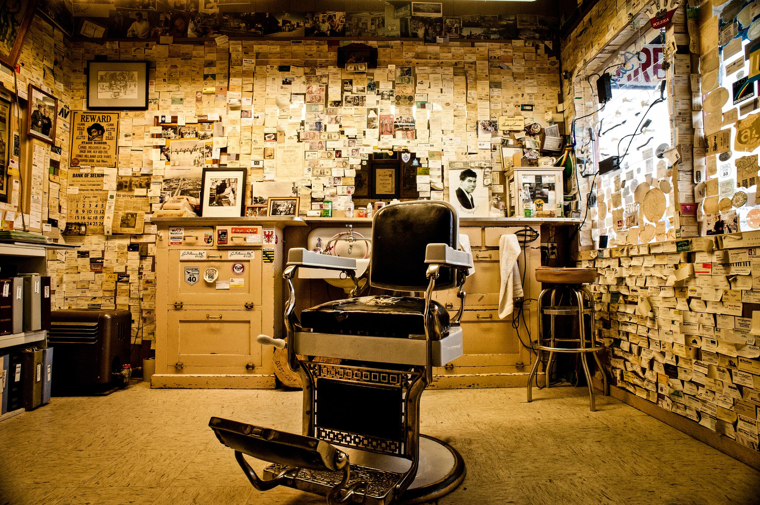 Angel's Barbershop in Seligman, Arizona© Rob Hammer