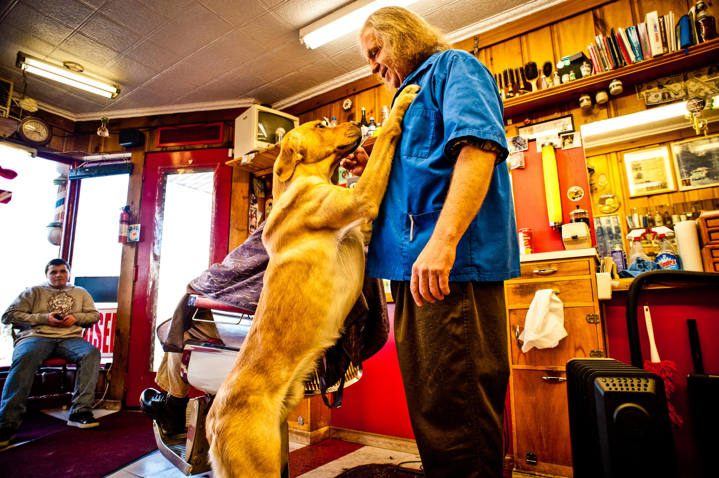 La Legion Barbershop in Nashua, New Hampshire© Rob Hammer