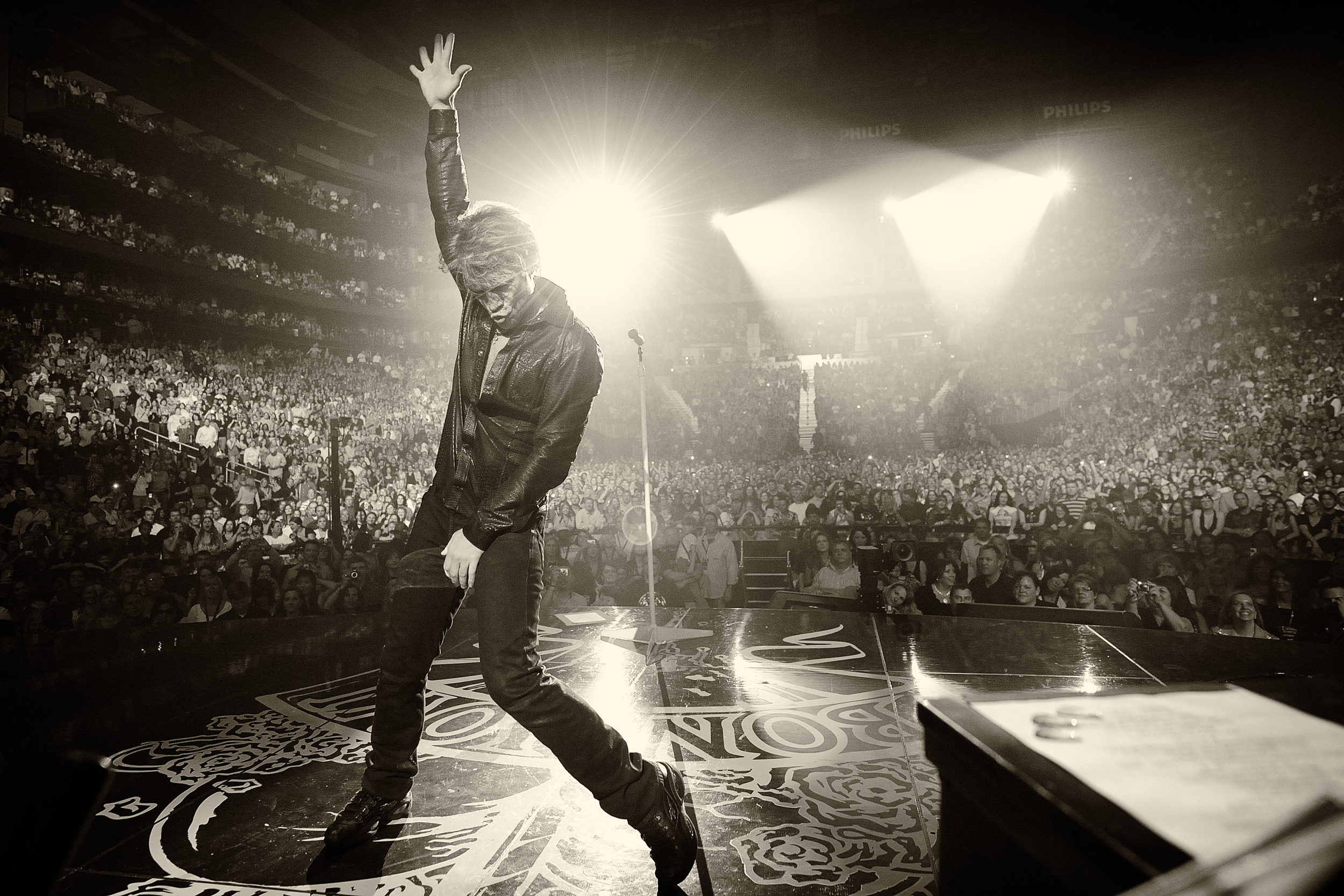 Jon Bon Jovi in concert in Atlanta. April 15, 2010 © David Bergman