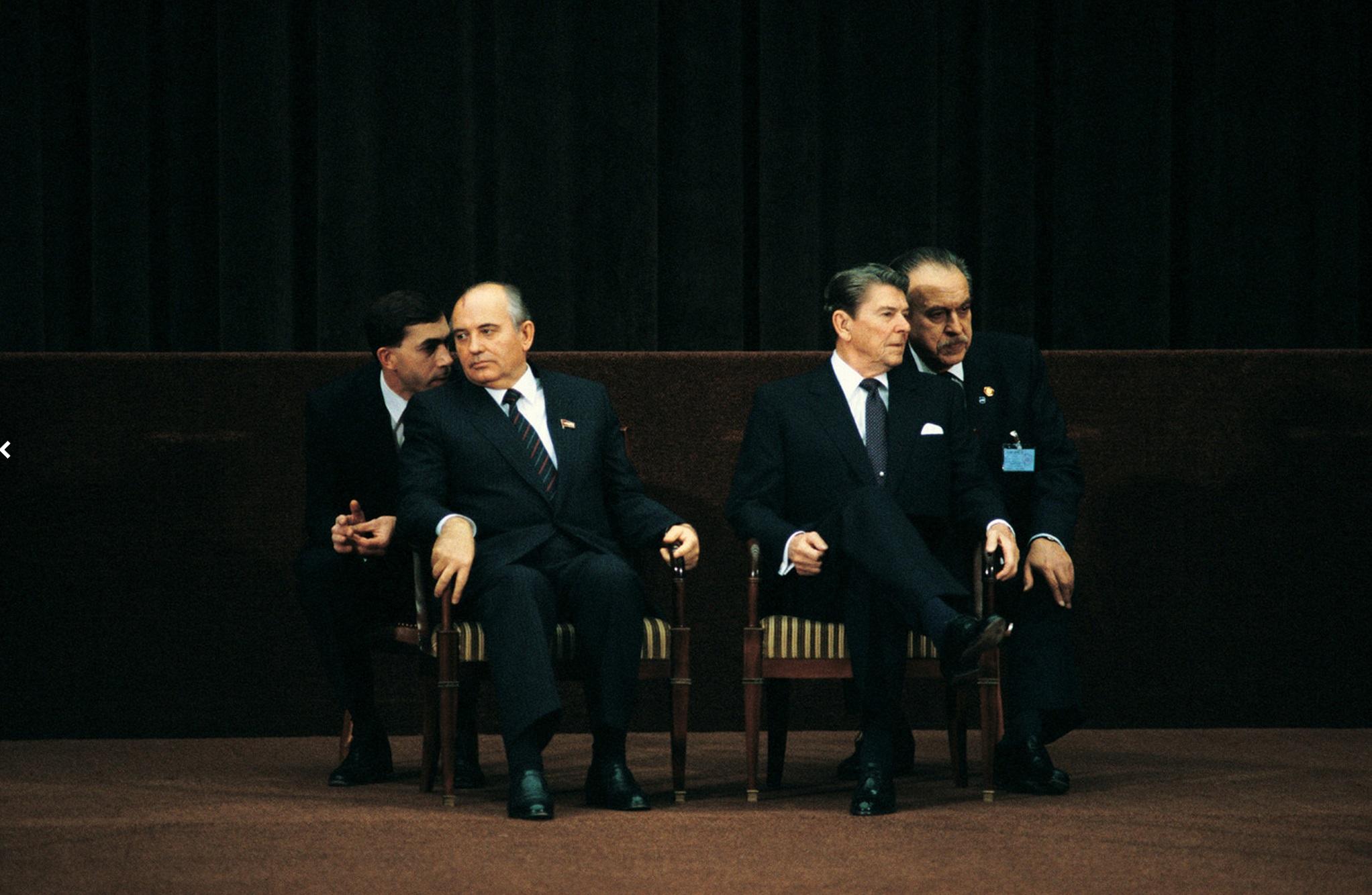 The First Gorbachev & Reagan Summit, Geneva, November 19, 1985. © 2015 David Burnett/Contact Press Images
