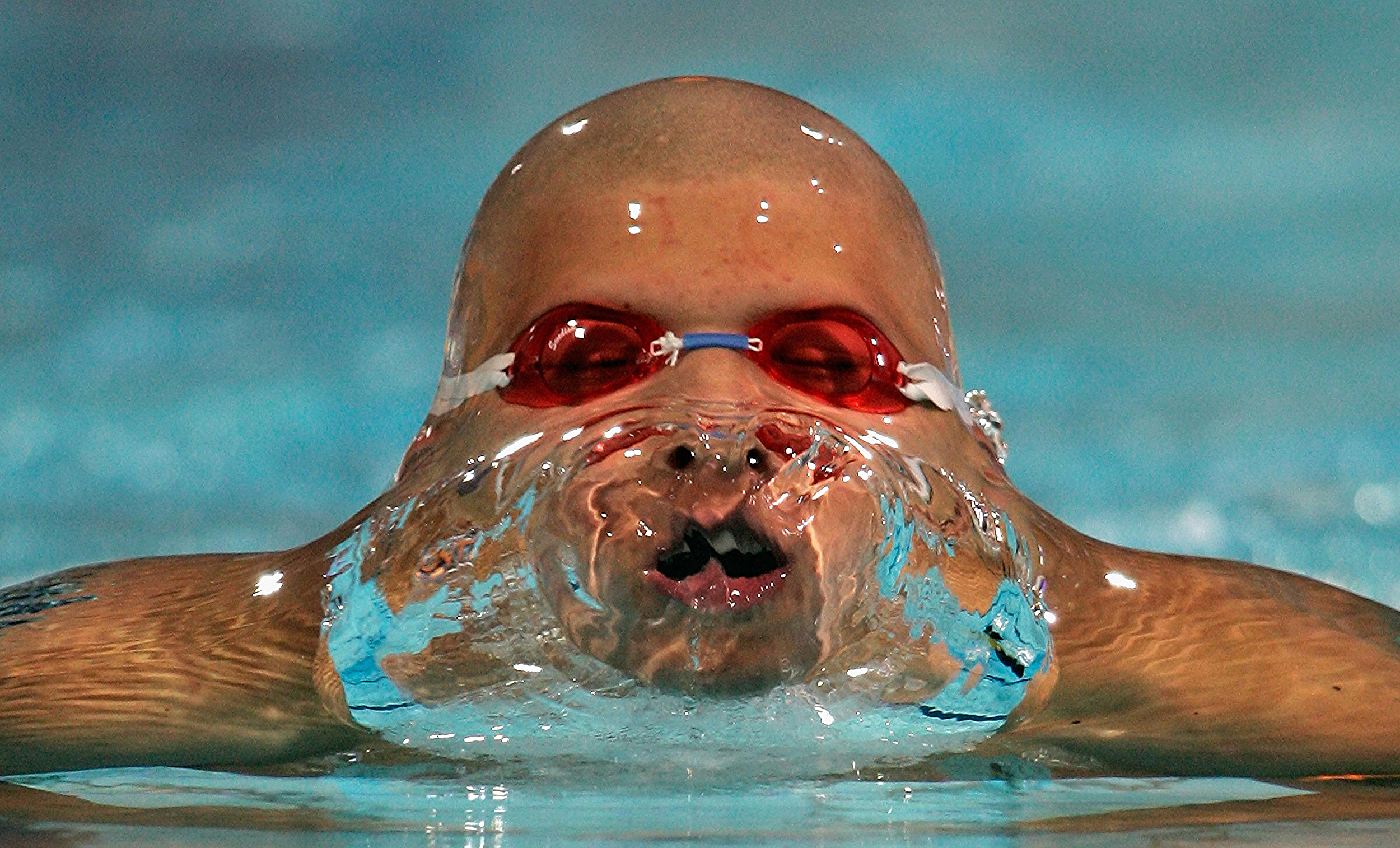 Daniel Gyurta of Hungary competes in the men's 200 meter breaststroke semi-final during the Athens 2004 Summer Olympic Games in Athens, Greece. August 17, 2004 © Daniel Berehulak/Getty Images
