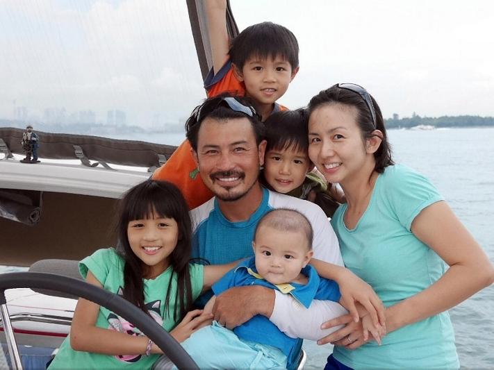 ximula-gracefully-darren-lim-yacht-charter-singapore