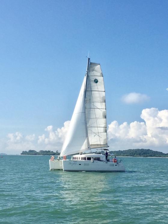 ximula sail gracefully yacht charter.jpg