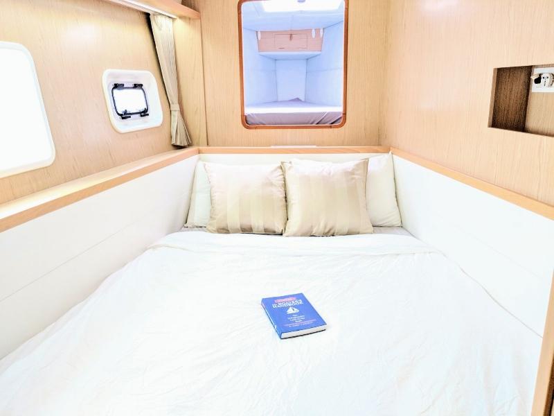 ximulasail gracefully guest cabin bed.jpeg