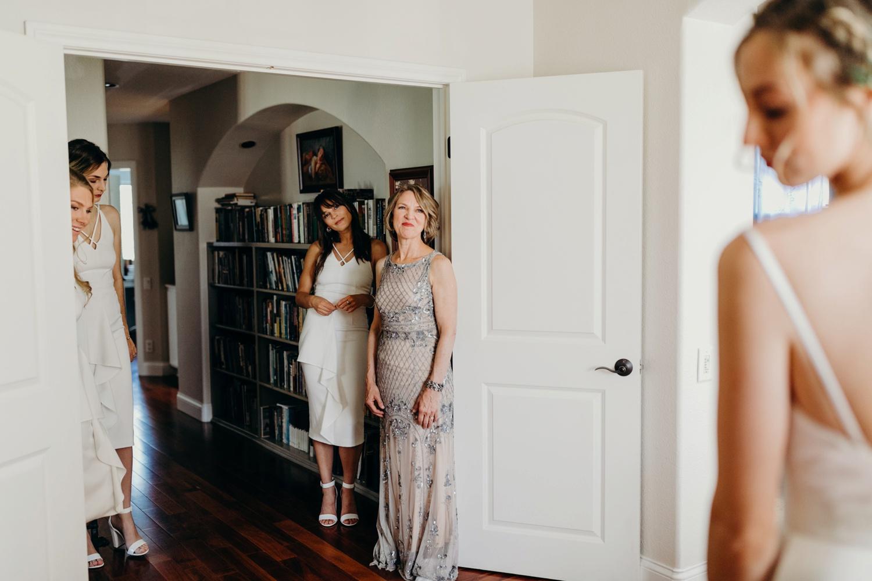 5F7A3689_Gorgeous and Modern Orange County Wedding.jpg