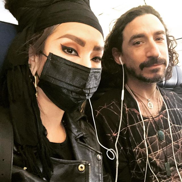 People on this flight straight up looking at me like I'm gonna cause trouble or something. My hair is heavy and I'm scared of germs and people can dress however they want anyway ok check yourself bye 👋🏼 Also everyone should watch One Strange Rock and revel in the sheer m i r a c l e that is our home planet 🏝✨🐢 . . We're on our way home after an amazing week all over Quintana Roo, Mexico 🇲🇽 we played with monkeys and swam with tortugas and now I'm feeling inspired and excited to get back to work 💪🏼 . . #airportoutfit #gothvacation #dreadlockstyle #darkyoga