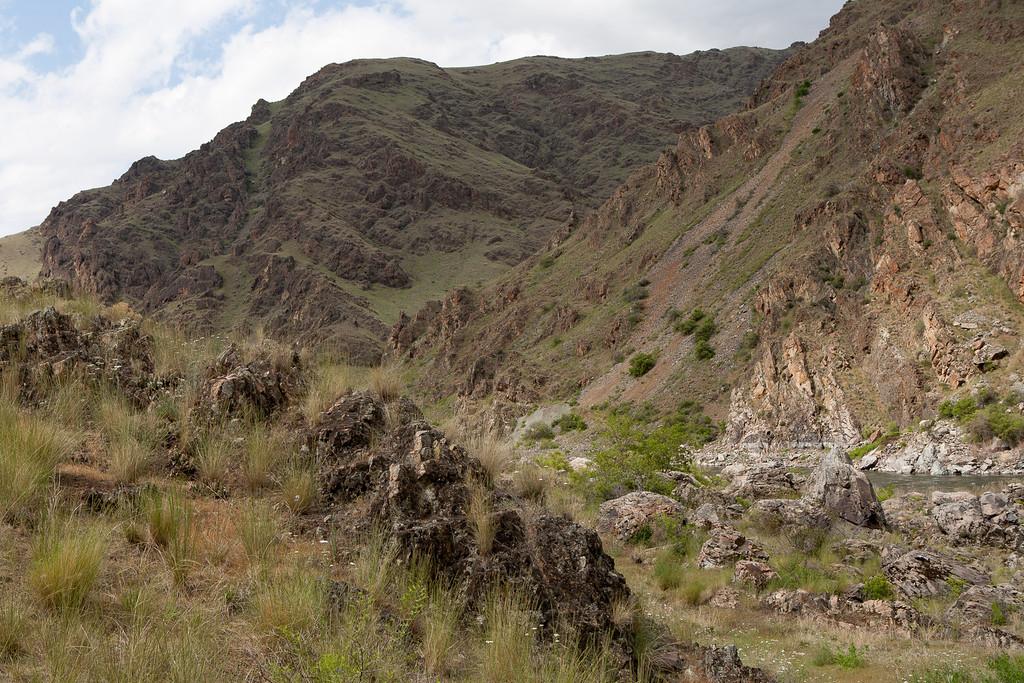 mountains cliff wow.jpg
